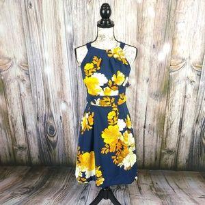 Dress Barn Floral Sleeveless Pocket Dress Size 4